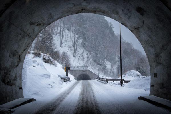雪道を安全に走行するには?安全に雪道を走れるちょっとしたコツ