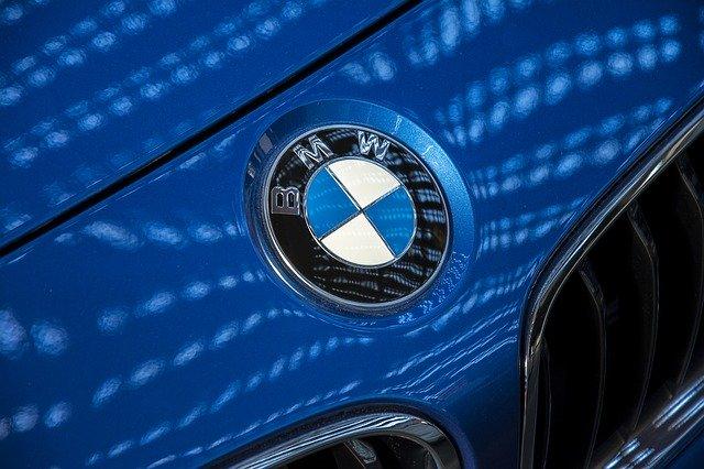 【2020年最新版】BMWの由来と歴史・現行型各シリーズの特長をご紹介!